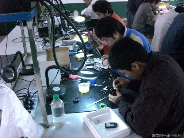 维修技术真功夫是通过刻苦训练出来的